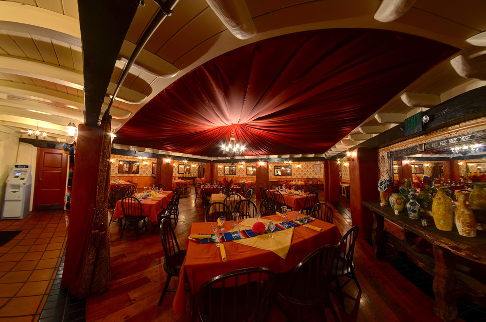 Barra Serrano Room full
